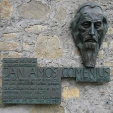 Memorial Plate for Johann Amos Comenius at the building of the former Higher College, Herborn, Germany (Oliver Abels (SBT), Wikipedia)